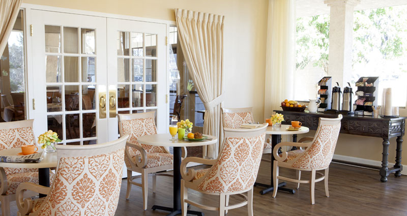 Dining Room - The Watermark at Rosewood Gardens