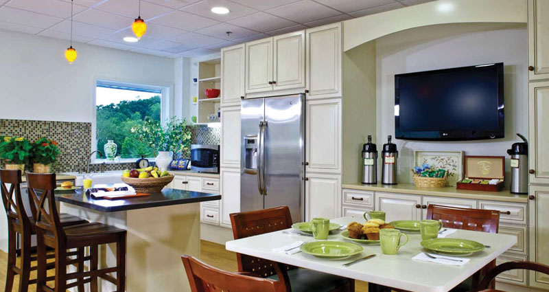 Country Kitchen, The Springs (Skilled Nursing) - The Watermark at East Hill
