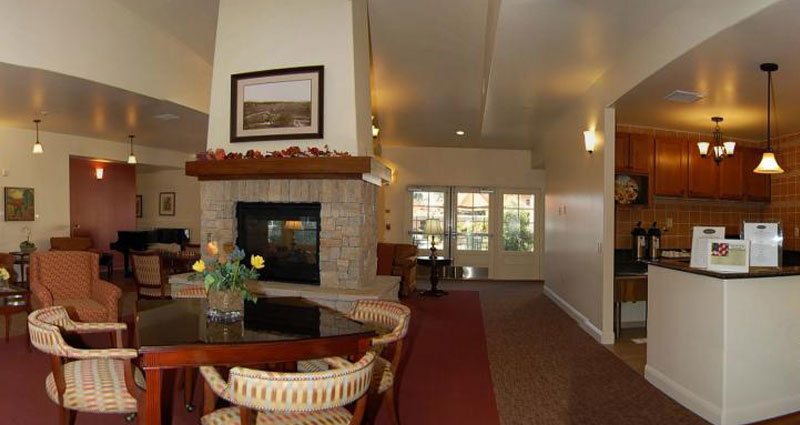 Lobby Seating & Refreshment Area – The Cottages of Carmel